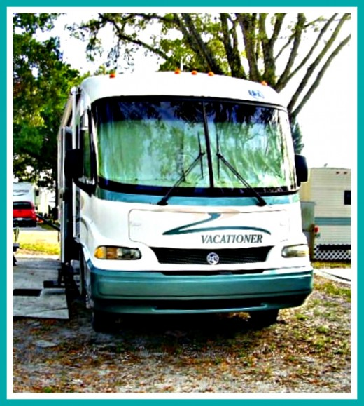 This is a smaller, older motor home that has no slides but still has many amenities.