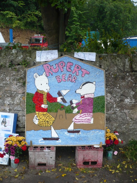 Well Dressing in Bonsall from 2015