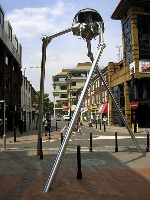 Sculpture of Wellsian Tripod (Fighting Machine) in Woking, Surrey, England