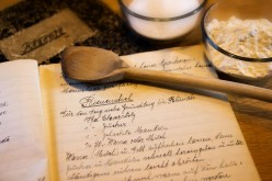 Back in Time Baking: Retro Recipes from Long-Forgotten Cookbooks