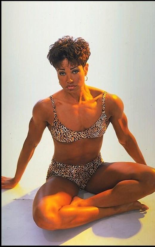 former IFBB Fitness Pro Lisa Lowe