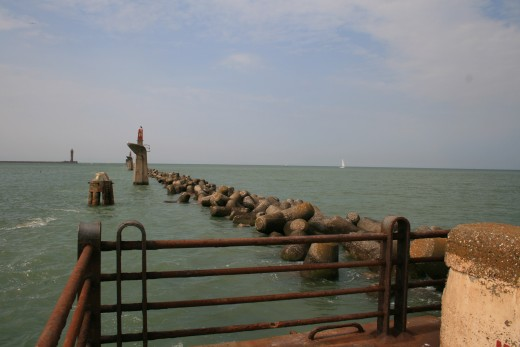 The remains of the East Mole of Dunkirk harbor, 2009.