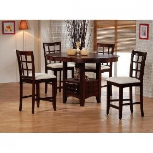 Pub dining table set by Sunburst. This table is counter height.