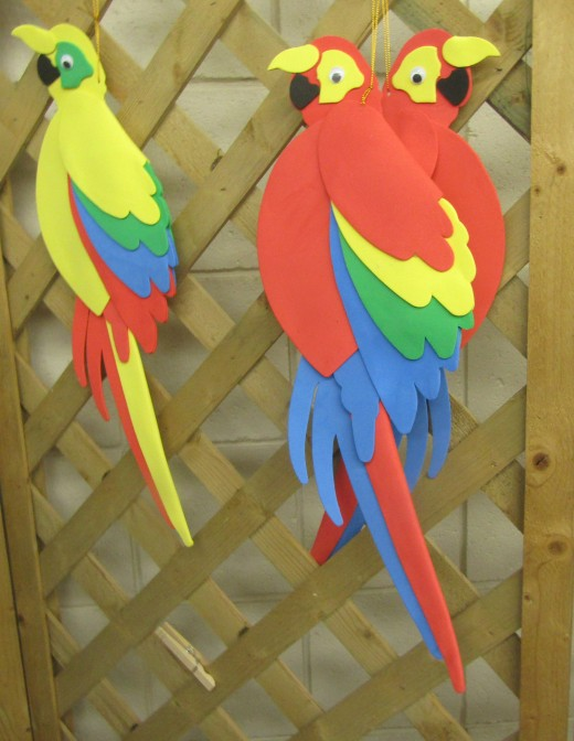 Parrot decor in (where else?) a parrot store. - Photo by George Sommers