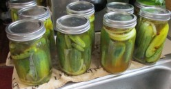 Minnesota Cooking: Mason Jar Spicy Bread and Butter Pickles
