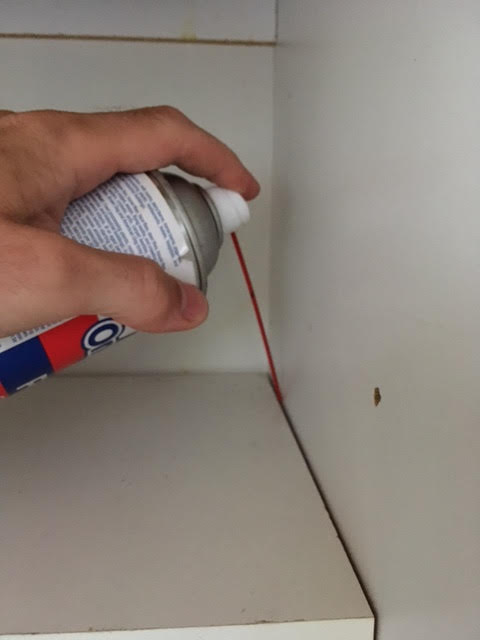 Treating crack and crevice with aerosol