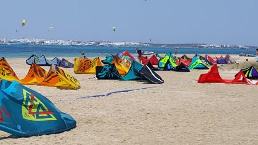 Pounta Kite Surfers