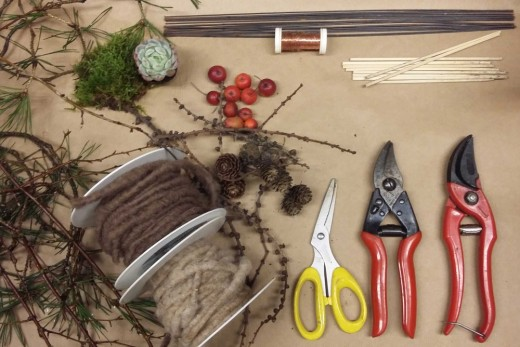 This is the materials you'll need to make a beautiful door wreath.