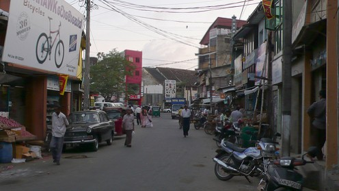 Streets of Galle, by Augapfel (http://www.flickr.com/photos/qilin/)
