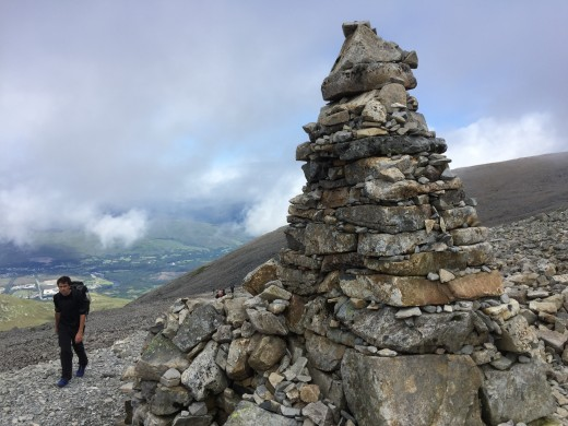 The first navigation cairn that we have encountered so far. This  means we are within reach of the summit.