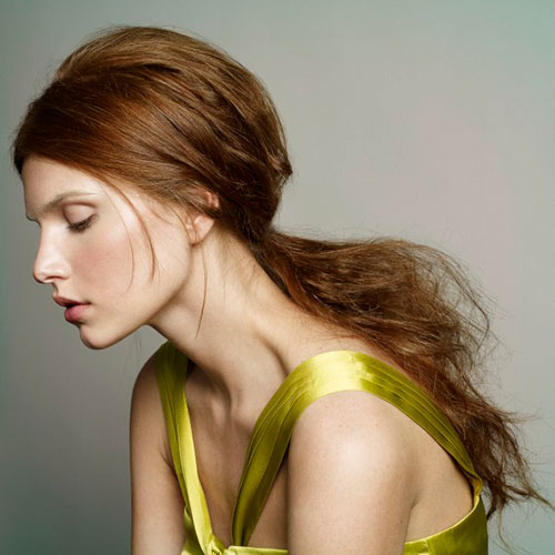 Messy chic ponytail Hair Style