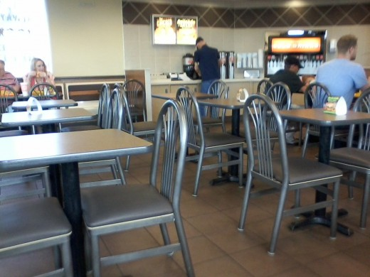 Dining area of Mustang, Oklahoma's Whataburger - plenty of seating for everyone!