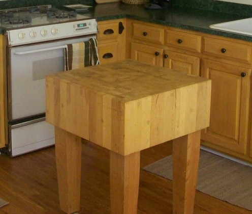 This is not the chopping block that I wrote about in this hub, but a Butcher block chopping block in American kitchen.