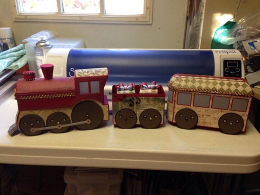 Another paper train that looks very real.