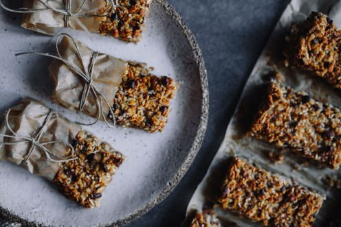 Granola vs. Protein Bars: Which One Is the Best for You?