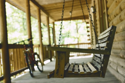 A porch swing and an overall active porch in a dream reflect an active, playful and upbeat social life.