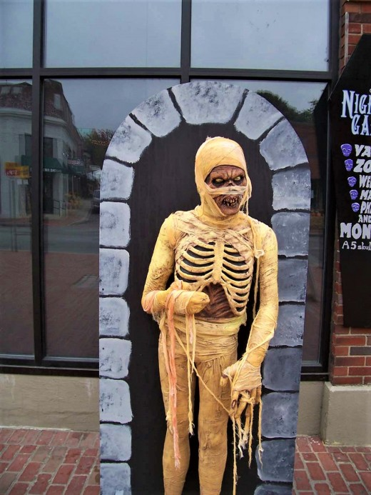 This mummy was spotte in Salem, Massachusetts just a few days before Halloween
