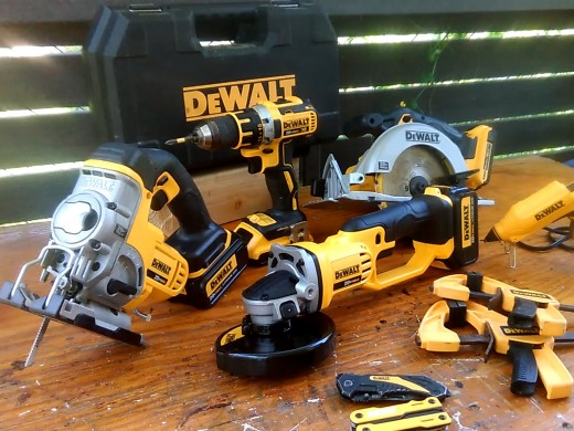 12 Essential Woodworking Power Tools Beginners Can T Begin