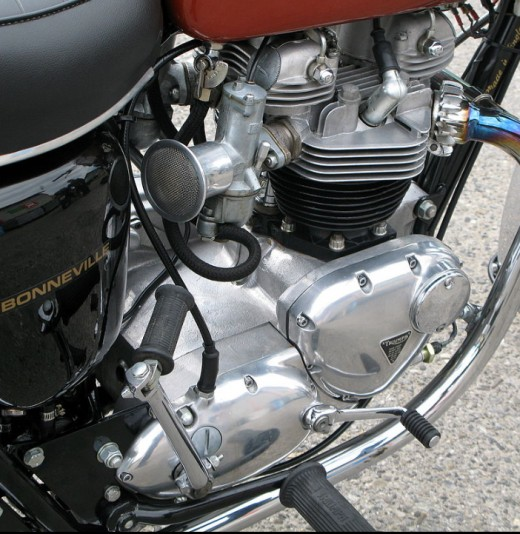 Triumph Bonneville Engine