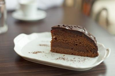 Mmmmmmmm dark chocolate cake