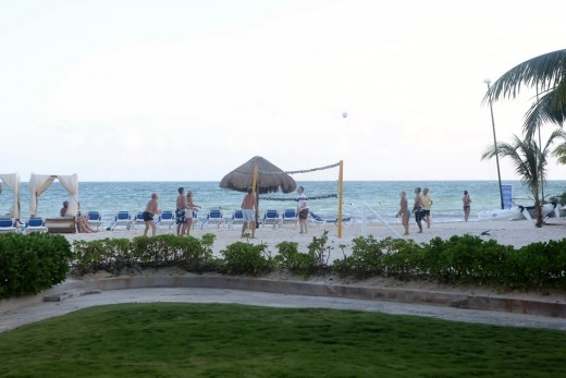 Resort beach, day-time (Mexico)