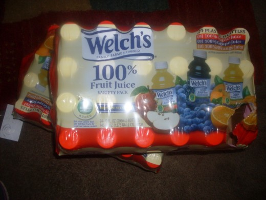 Welch's fruit juice variety pack include grape juice, orange juice and apple juice among flavors.