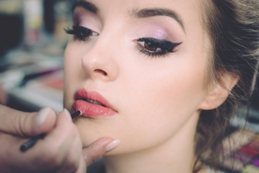 An extended cat eye can do wonders to make your eyes look bigger.
