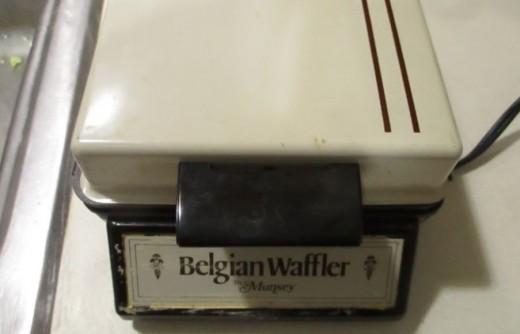 Maffle -Waffle Baker