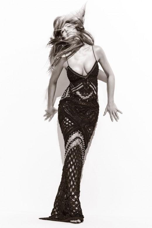 Jennifer Aniston curvy in a slinky full length dress