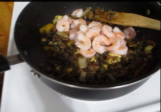 Add shrimp to pan
