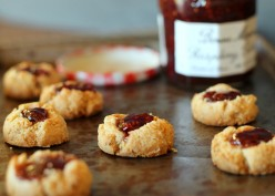 Thumbprint Cookies: 25 Recipes for a Christmas Countdown