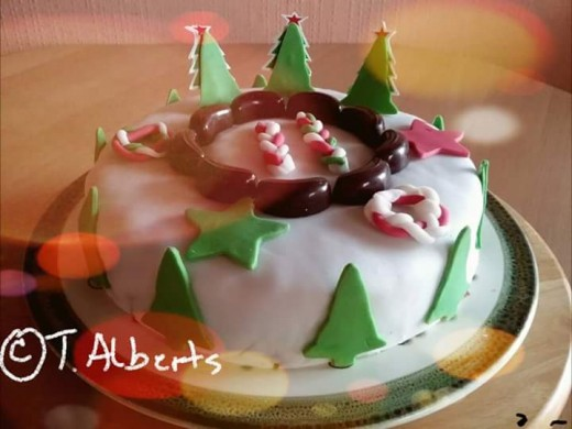 My self baked Christmas cake a few years ago.