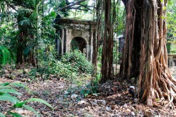 The Cemetery at Park Street in Calcutta where Memories of the Raj Thrive