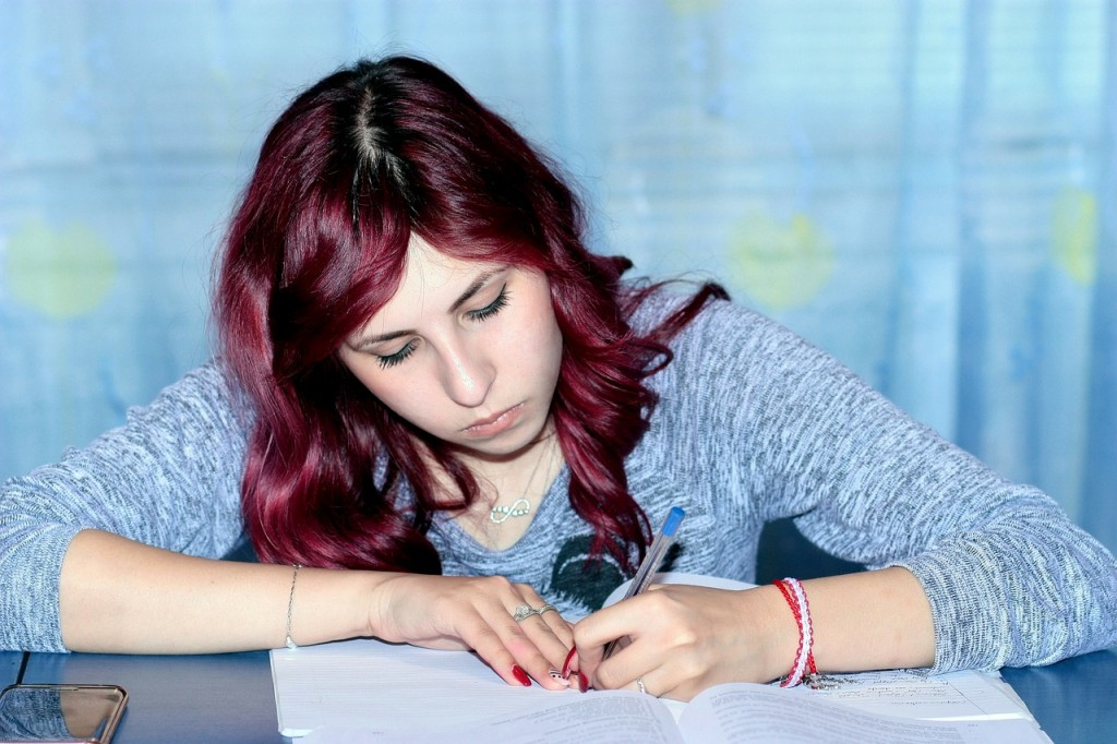 How to Use Photograph Prompts to Motivate ESL Students to Write