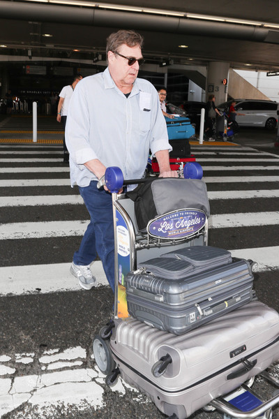 John Goodman is seen at LAX in Los Angeles, California on Sept. 26, 2017. (Sept. 26, 2017 - Source: Starzfly/Bauergriffin.Com)