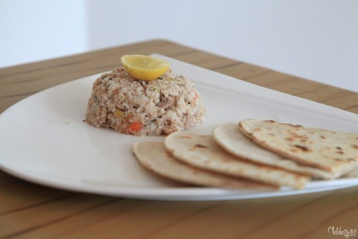 Mas-huni is a popular breakfast dish, traditionally made with dried tuna and shredded coconut. It is consumed with flatbread.