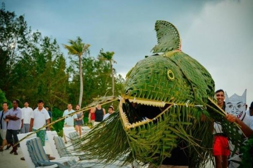 Bodu-Mas (Big Fish) is one of the many accessories that are paraded around the town during Eid. They are made from palm leaves.