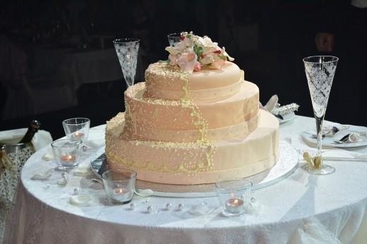 Modern day faux wedding cakes look exactly like the real thing. Even up close!