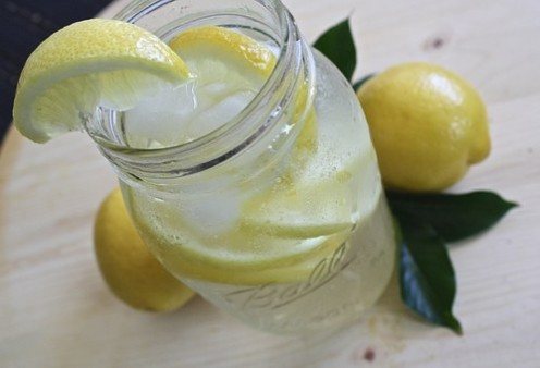 What are the Benefits of Drinking Lemon Water?