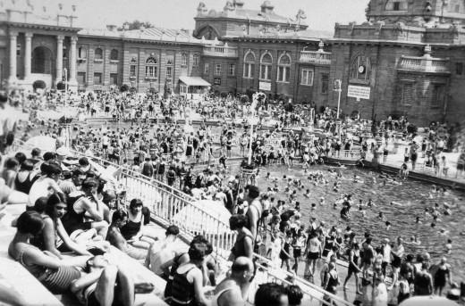 Széchenyi bath in Budapest, 1930