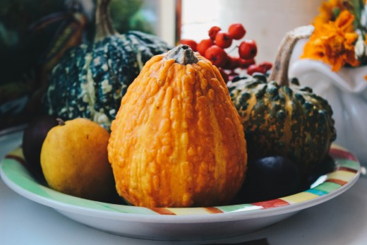 Go natural ! Use fall gourds and pumpkins for your fall wedding decor