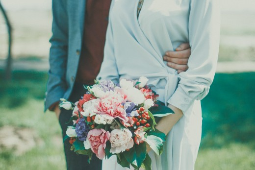 Soft colors in your wedding bouquet compliment your patriotic themed wedding