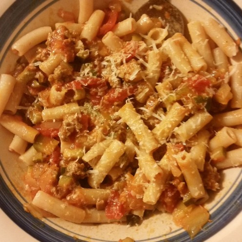 How to Make Ragu-Style Pasta Sauce (With Gluten-Free Pasta)