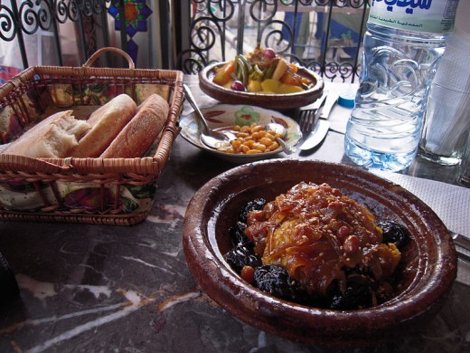 Tajine served with flat bread.