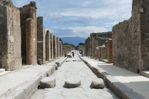 With such a tragedy as a volcanic eruption, it's no wonder many people believe Pompeii is haunted.