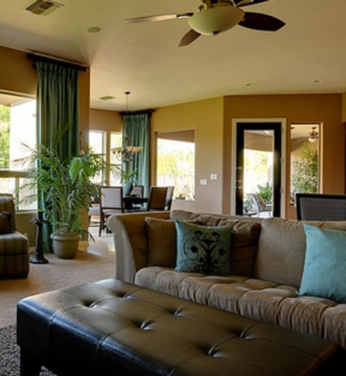 A touch of leather is the perfect compliment to a Southwestern home interior.