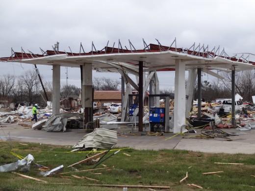 Willard's Exxon after the tornado 12-26-2015