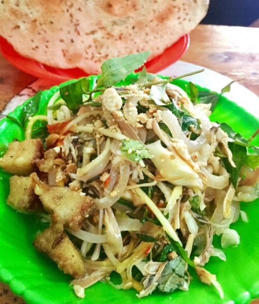 Da trộn (Pork skin salad)