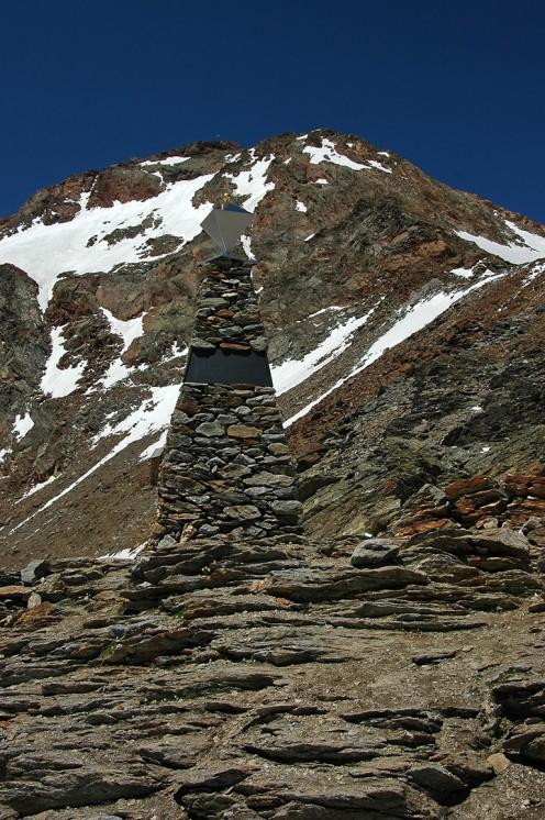 Otzi Memorial Hauslabjoch Pass