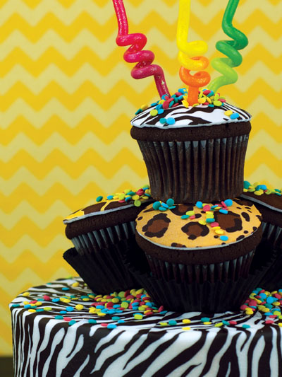 Animal print cupcake party idea!